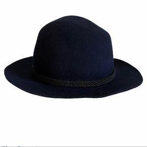 FOREVER 21 100% WOOL FELT HAT NAVY BLUE TRENDY